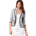 Why women should wear a blazer?