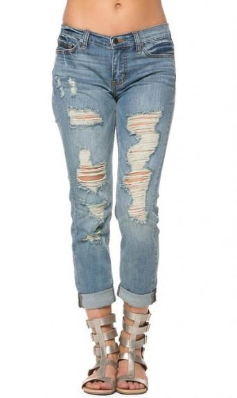 Ripped Boyfriend Jeans 2015-2016 - Latest Trend Fashion