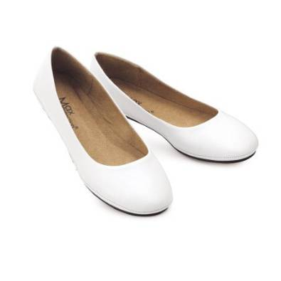 2015 white flat shoes