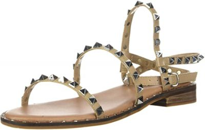 What sandals are in style for 2022